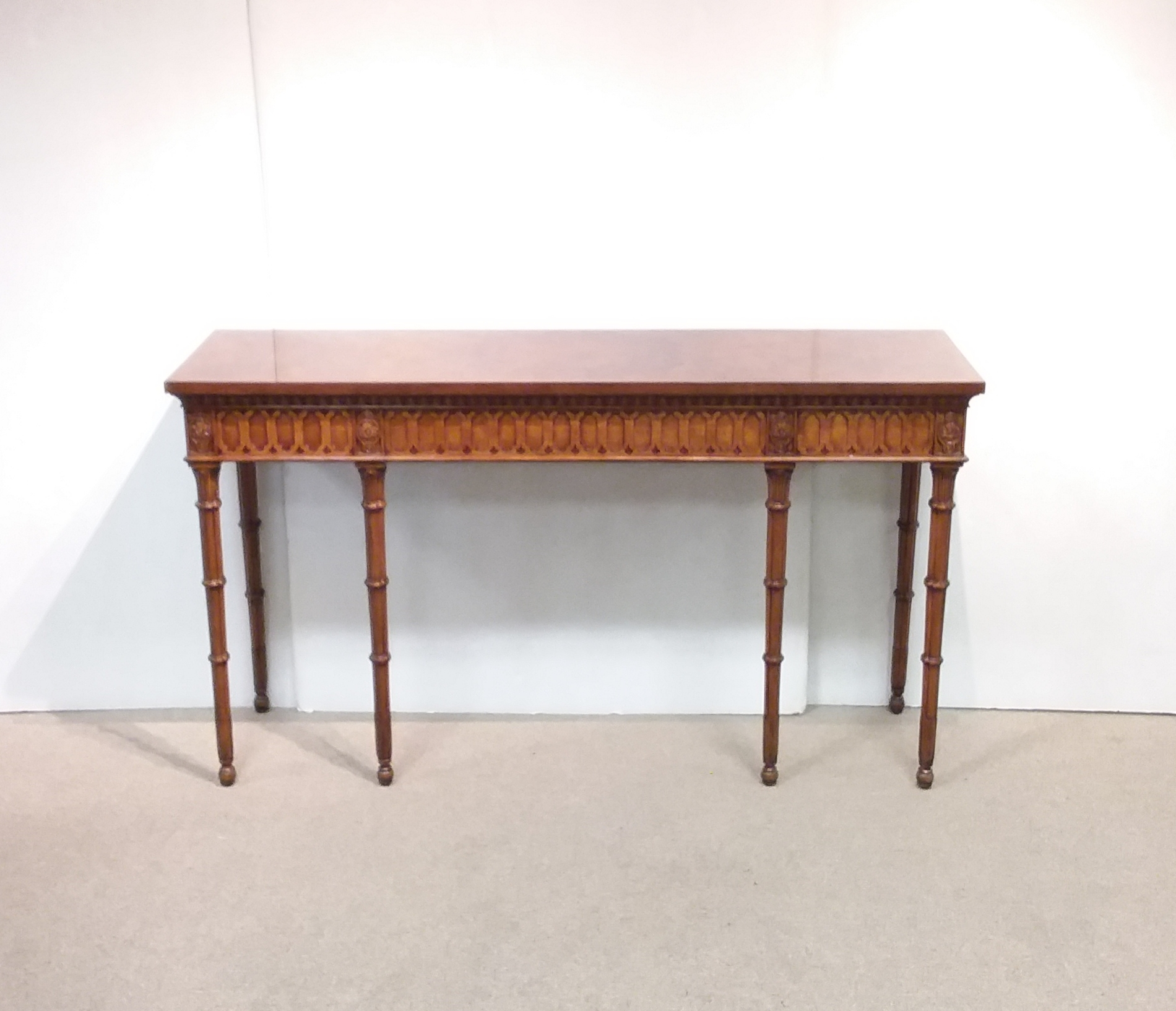 Gothic_Style_Console_Table